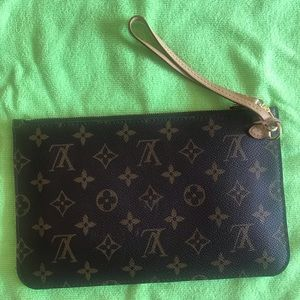 COPY - Auth. Louis Vuitton Neverfull pouch
